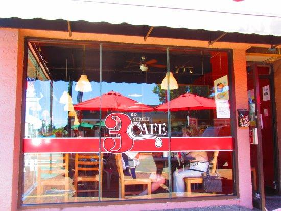 3rd St Cafe: Window