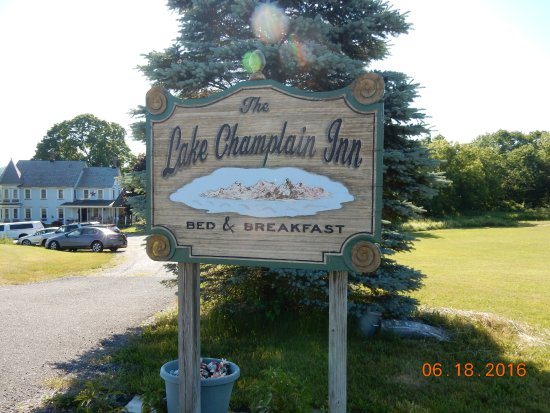 The Lake Champlain Inn - TLC Inn: Entrance