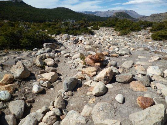 Laguna Torre: otra parte dificil del sendero, mucha..mucha piedra