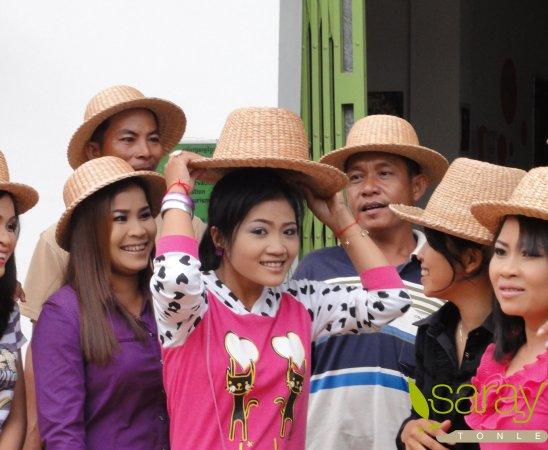 Saray Tonle Community Based Ecotourism: Model of new hat