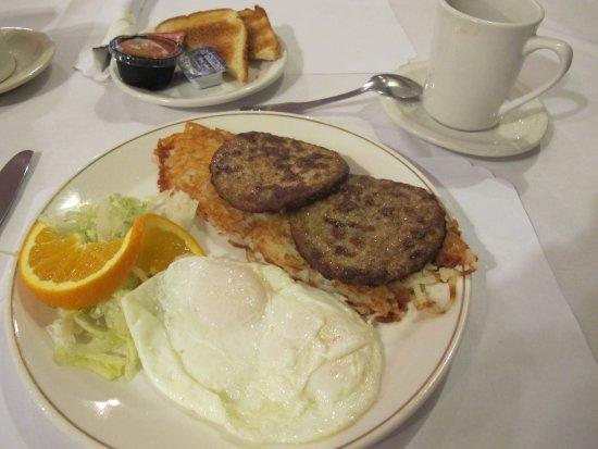 Douglas, AZ: The Traditional American Breakfast