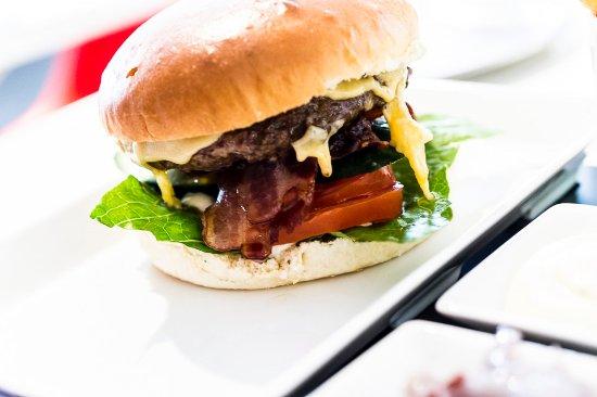 Restaurant Stedeljik: Rest. Stedelijk - Hamburger with Extra Kaas