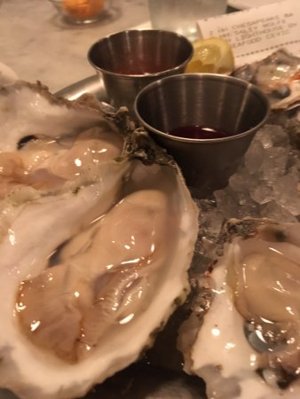 Hank's Oyster Bar: Try a variety of oysters by the piece