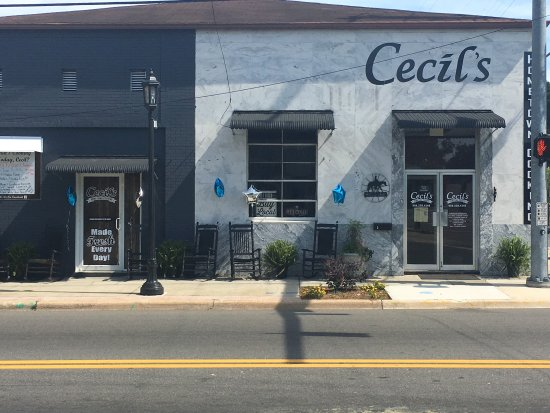 Macclenny, FL: Cecil's Hometown Cooking