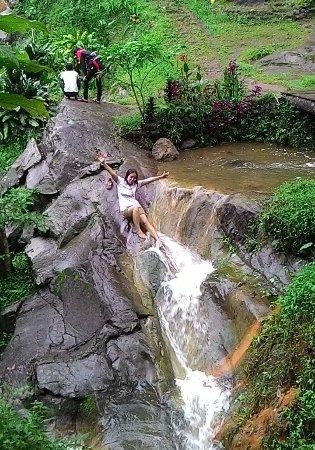 Bandungan, Индонезия: awas jatuh lo...