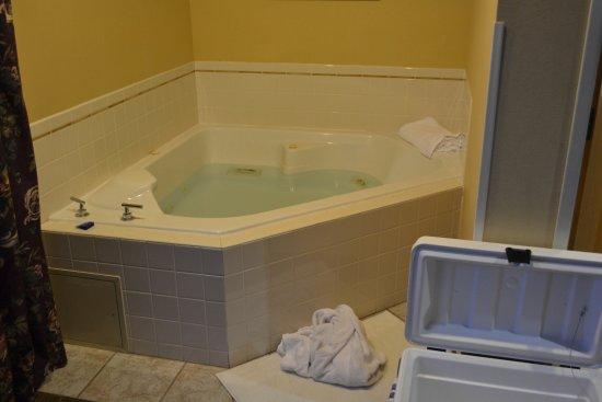 BEST WESTERN PLUS Caldwell Inn & Suites: In room Spa