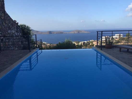 Elounda Solfez Villas: Infinity pool
