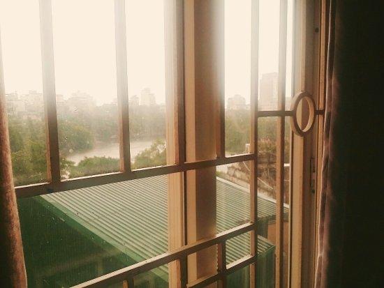 Heart Hotel : 진짜 숙소 직원이 너무 친절하고 좋았어요. 가격도 저렴하고 깨끗하고 침대도 푹신했습니다. 하노이에 가는 사람이 있다면 추천하고 싶어요. It was a pleasure to