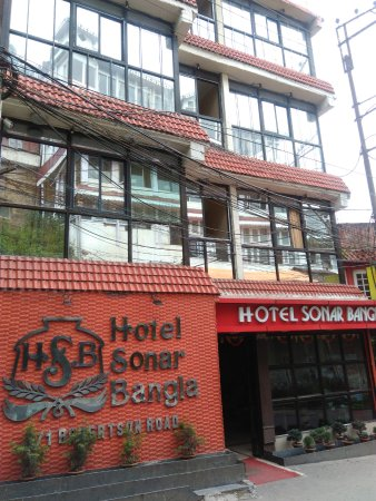 Hotel Sonar Bangla - Darjeeling: Front side of the Hotel