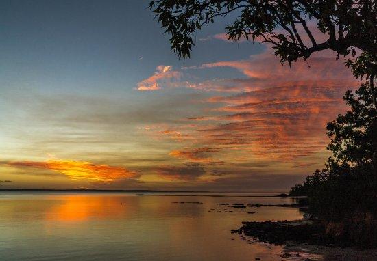 Национальный парк Гариг-Гунак-Барлу, Австралия: Drinks with a view as the sunset over Port Essington NT