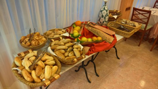 Hotel Delfin Mar: one table at breakfast