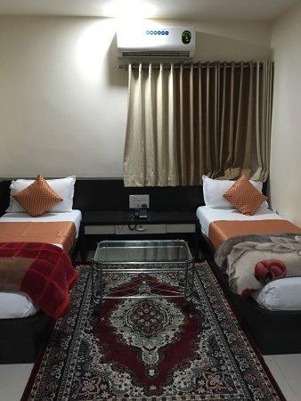 Hotel Shanti Kamal: photo1.jpg