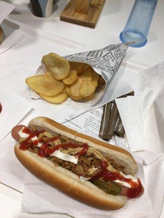 Ikea: hotdog & potato