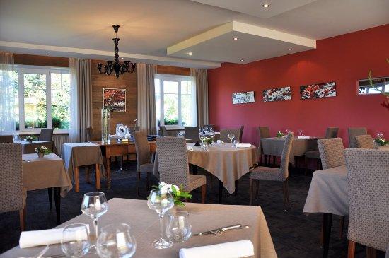 Hôtel Restaurant La Rochette: Salle de restaurant