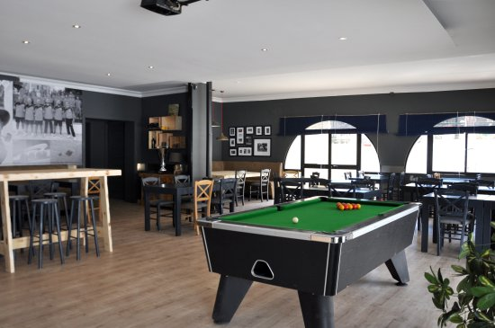 Lija Bocci Clubhouse: Main dining area