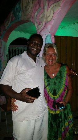 Kerr Serign, Gambia: God mat bra priser...bästa stället!