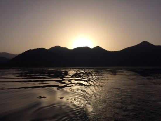 Shkoder County, Albania: Скадарское озеро на закате