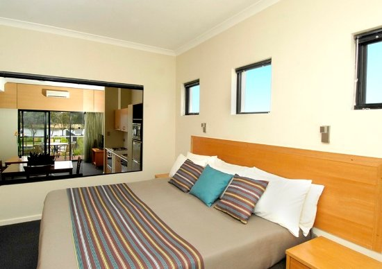 Ascot Riverside One Bedroom Apartment HERO