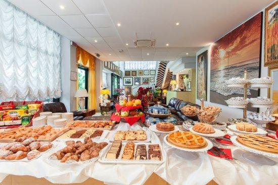 Hotel Nadir : bar con colazione