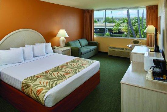 Airport Honolulu Hotel - interior - guestroom