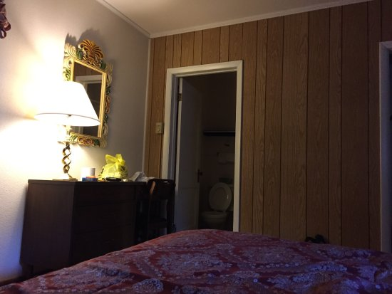 Gentleman Johnny's Motel Picture