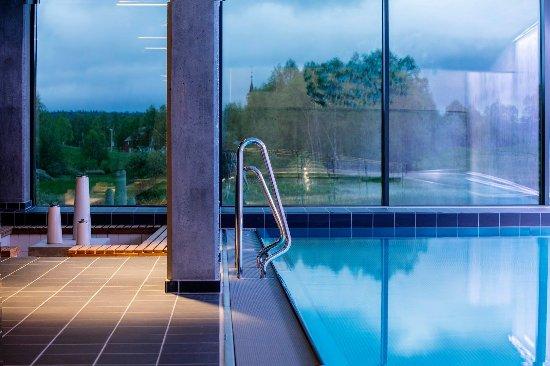 Roeros Hotel: basseng med magisk utsikt