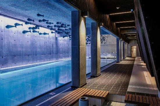 Roeros Hotel: basseng
