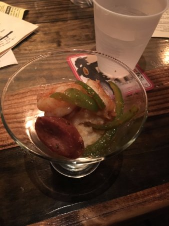 Cobblestone Tours : Shrimp and Cheese grits with Andouille sausage