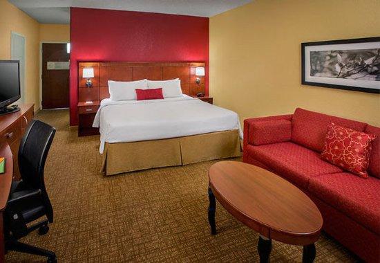Wayne, Пенсильвания: King Guest Room