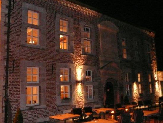 Bilzen, België: avond
