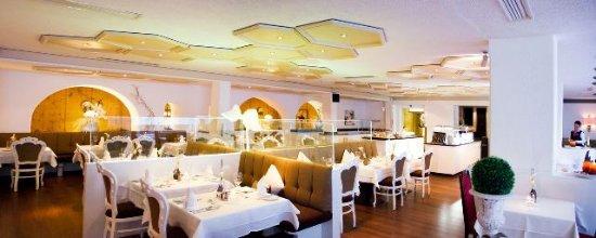 Alpenhotel...fall in Love: Speisesaal