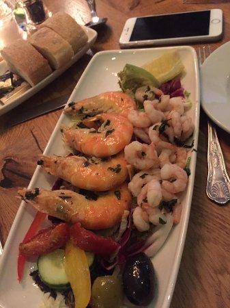 Biancos: Delicious juicy prawns!