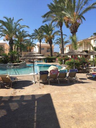 Tasia Maris Gardens Apartments: Pool area at tasia Maris gardens