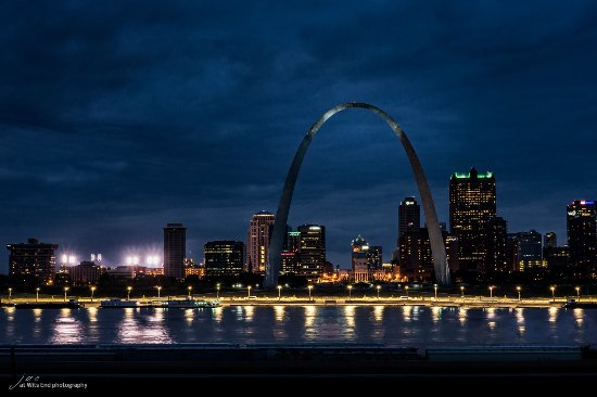 East Saint Louis, IL: St. Louis Arch from Malcolm W. Martin Memorial Park at night.
