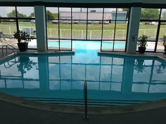 Indoor / Outdoor pool - Bild von Best Western Parkside Inn ...