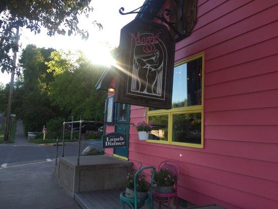 Maggie's Restaurant : photo1.jpg