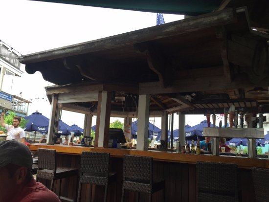 Sand Bar & Grille: The outdoor bar.