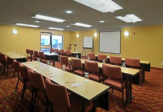 Springfield, OR: McKenzie Room