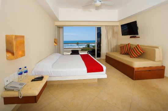 Mishol Hotel & Beach Club: Suite, Bay View