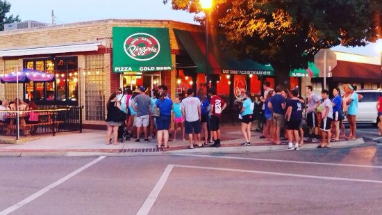 Shawnee Mission, KS: Papa Keno's Pizzeria INC