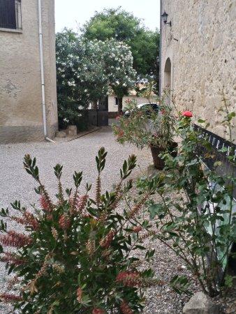 Lespignan, France : l'entrée