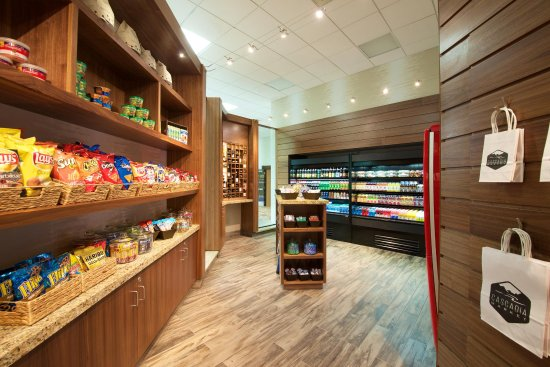 Embassy Suites by Hilton Portland Washington Square: Hotel Sweetshop