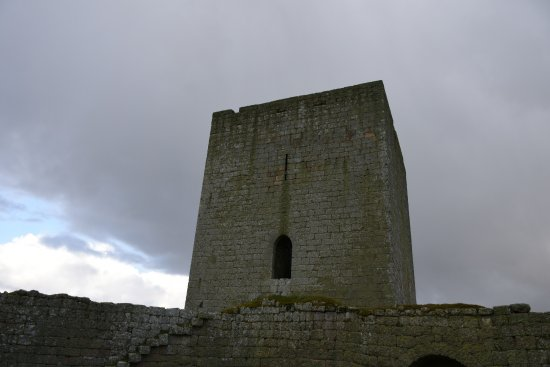 Sabugal, Portugalia: A torre que ainda se mantem de pé