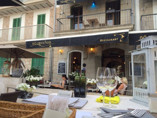 So Caprichos: The front of the restaurant