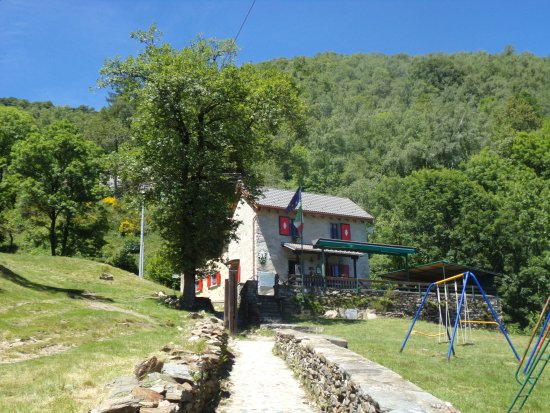 San Bernardino Verbano, Italia: Hut front side
