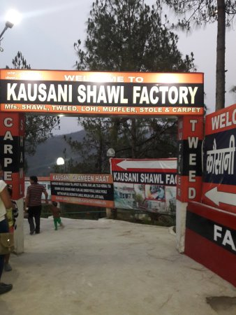 Kausani Shawl Factory
