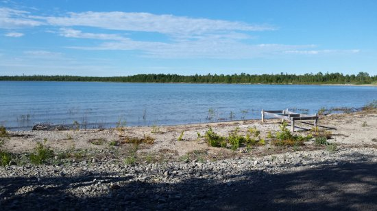 North Bay Bed & Breakfast : Beach access to North Bay on Lake Huron