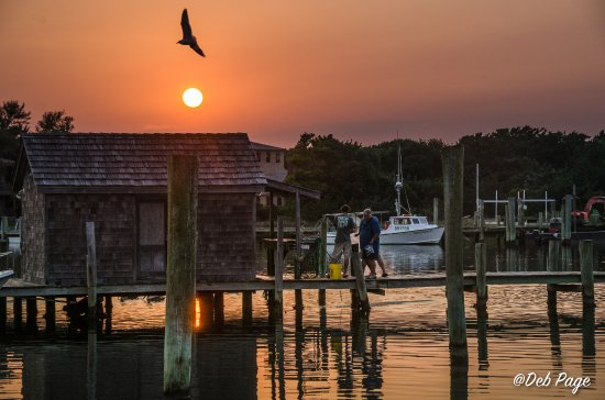 Ocracoke Harbor Inn: Sunset from the private deck