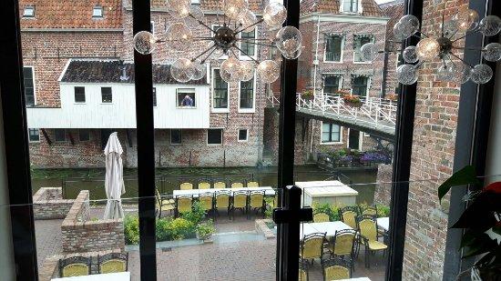 Appingedam, Ολλανδία: Mooie locatie met uitzicht op de hangende keukentjes
