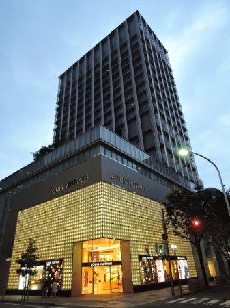 オリエンタルホテル, 同じ建物にルイ・ヴィトン